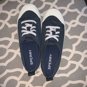 Breeze Laceup Sneakers